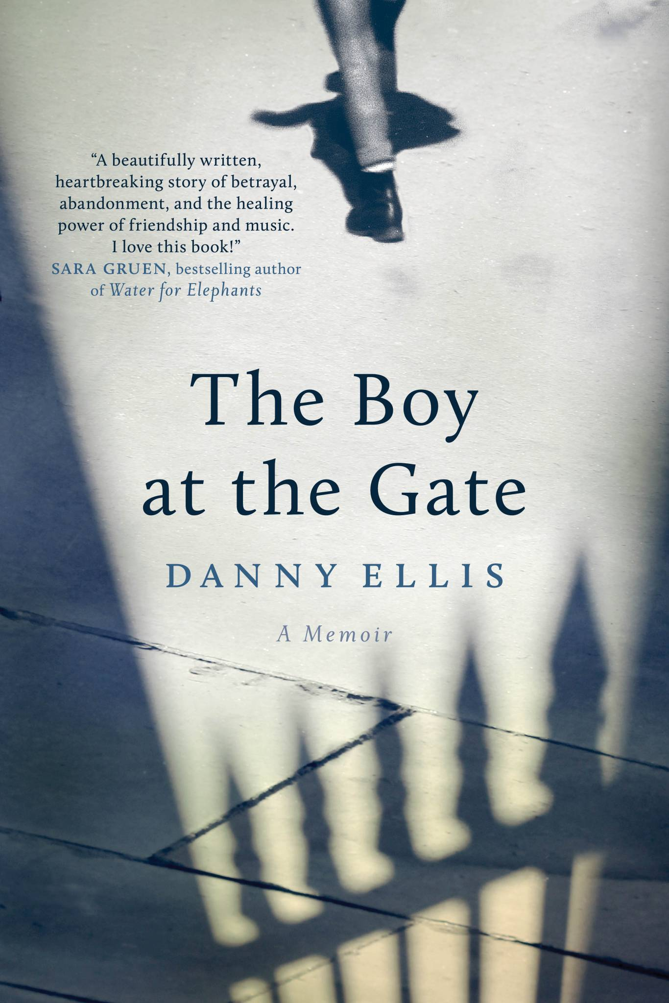 Cover-Boy at the Gate